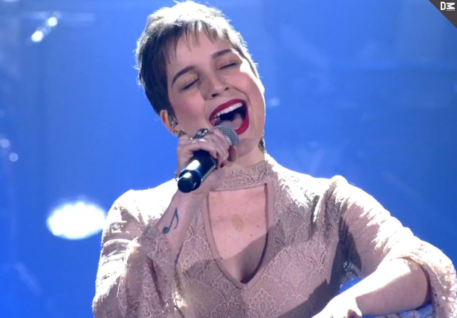 Tatila Krau segue no The Voice