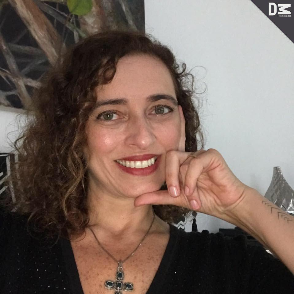 Drica Muniz Spinelli mergulha na literatura