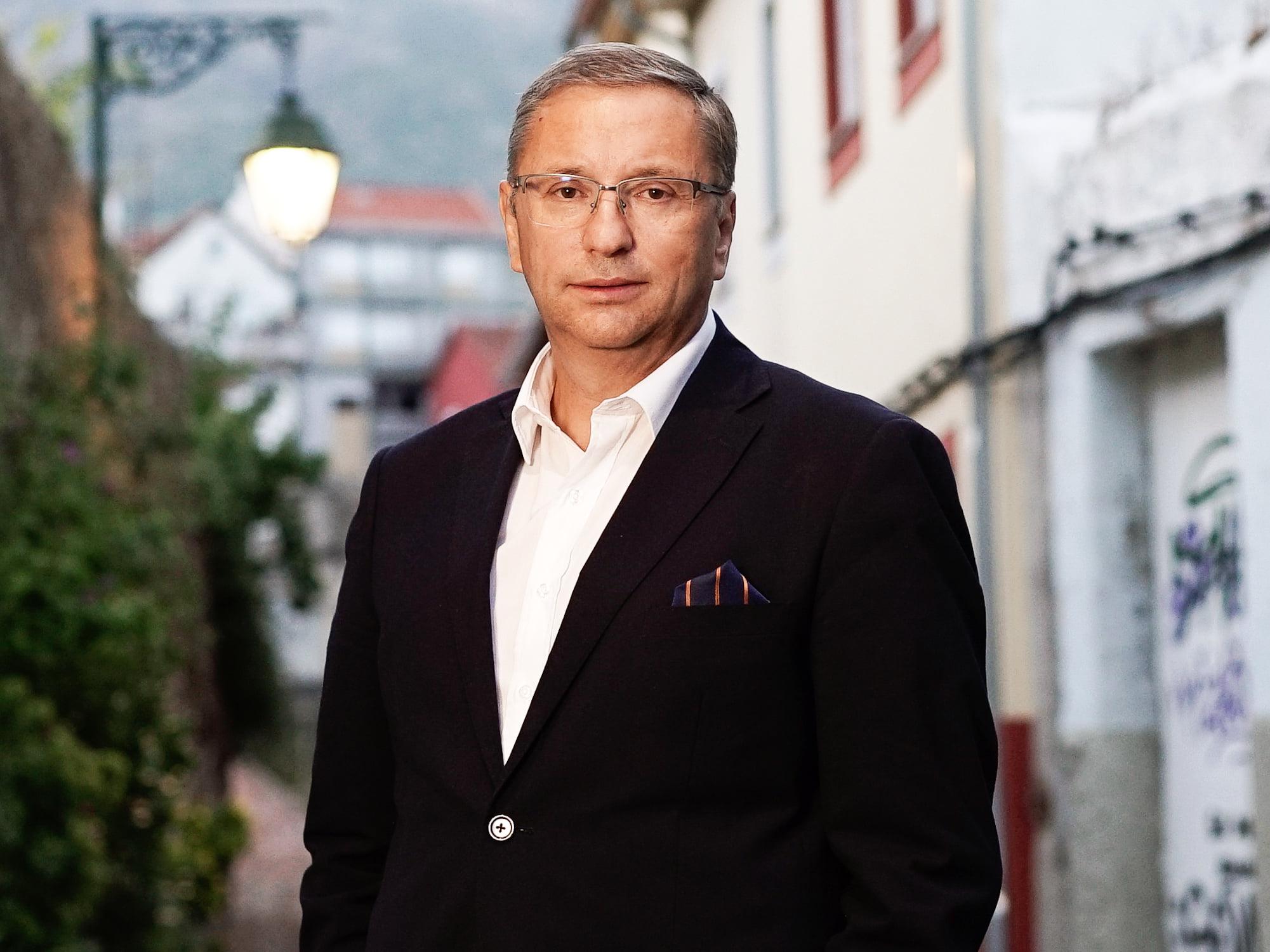 Amigo de Nova Friburgo, o escritor João Morgado vence prêmio literário Manuel da Fonseca