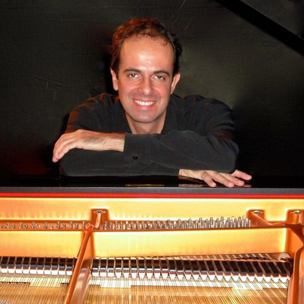 """Pianista friburguense contemplado no  Edital Cultura Presente Nas Redes apresenta """"O Século XX e o piano : um panorama"""""""