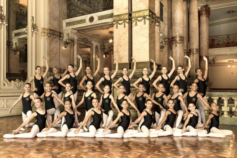 Escola Estadual Maria Olenewa abre inscrições para interessados em cursar ballet clássico