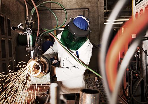 Confiança do industrial fluminense está próxima do nível registrado antes das medidas de combate à pandemia, aponta Firjan