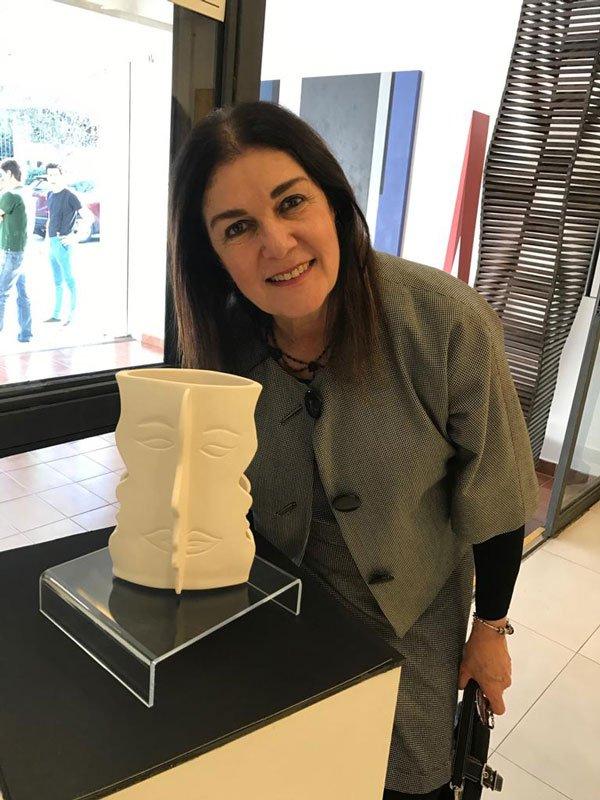 """""""O Abraço"""" de Vitória Sztejnman ganha ressignificado"""